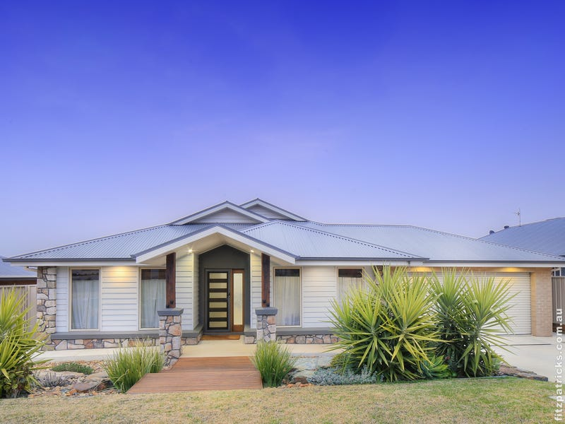8 Colombo Avenue, Gobbagombalin, NSW 2650