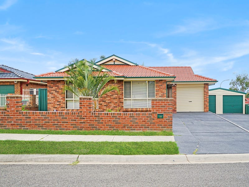 ‪13 Seaeagle Crescent, Green Valley, NSW 2168