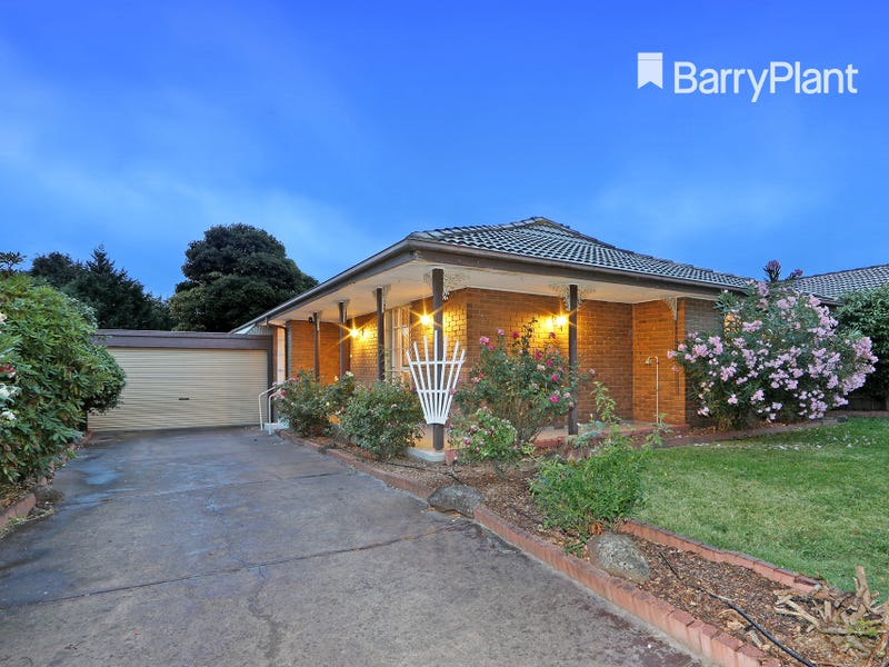 15 Murray Crescent, Rowville, Vic 3178