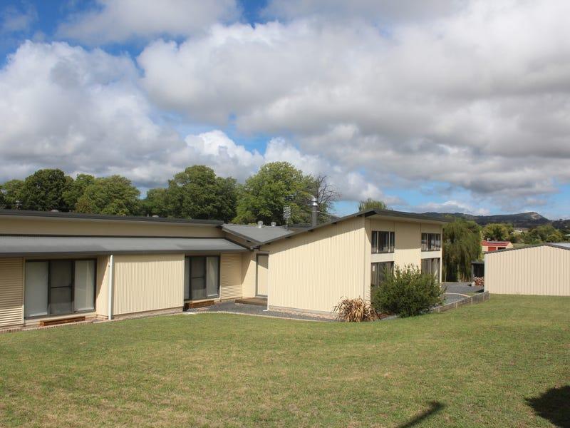 141 Bulwer Street, Tenterfield, NSW 2372