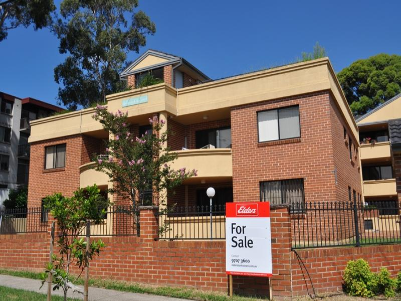 2/170 Greenacre Road, Bankstown, NSW 2200