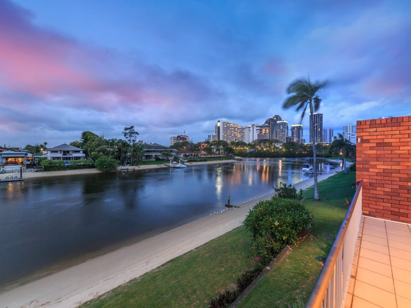 8/29 Hooker Boulevard, Broadbeach Waters, Qld 4218