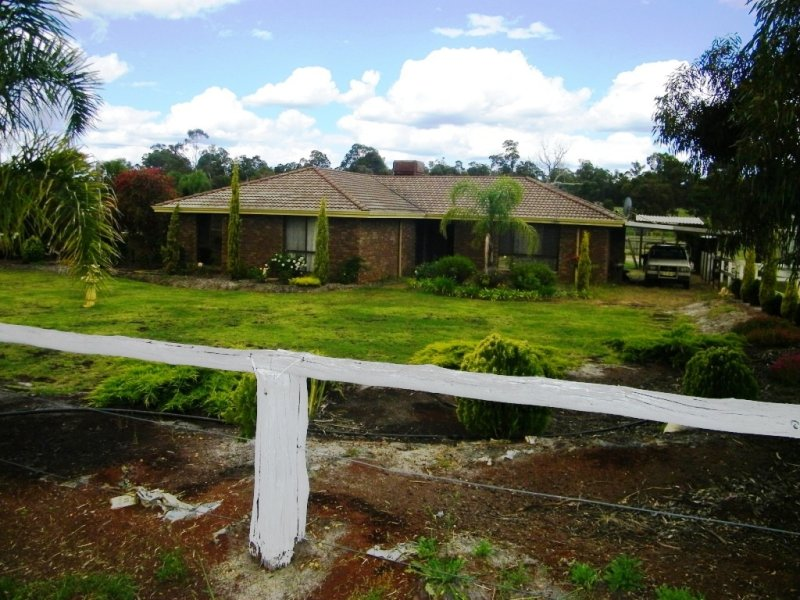 215 Ealing Road, Collie, WA 6225