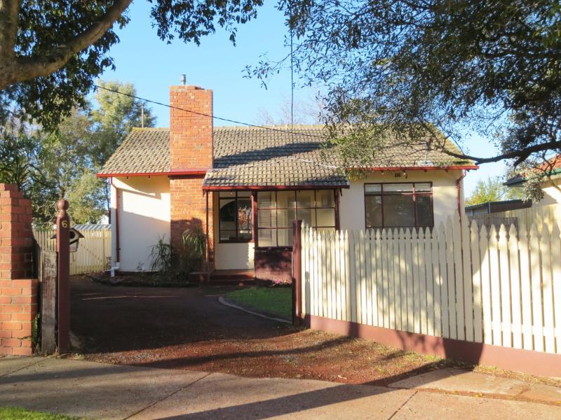 6 Willow Court, Bellfield, Vic 3081
