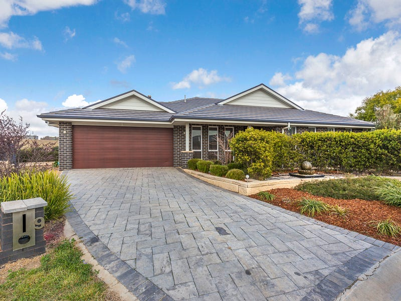 9 Flynn Place, Bungendore, NSW 2621