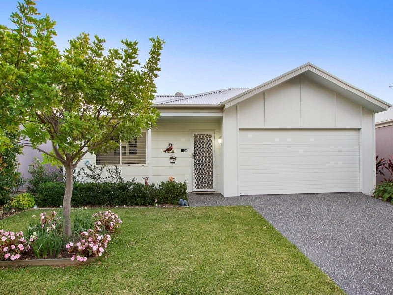 39 Southern Ocean Street, Lake Cathie, NSW 2445
