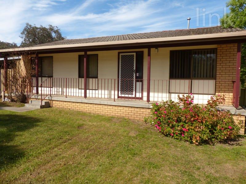 18 Cassia Street, West Albury, NSW 2640