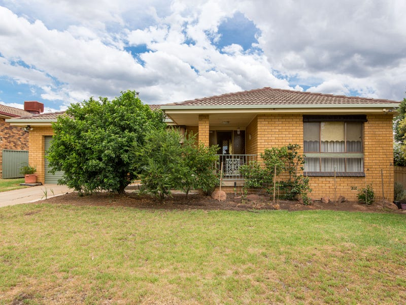 22 Temerloh Avenue, Tolland, NSW 2650