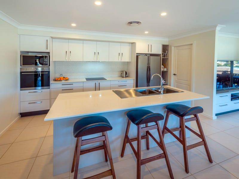 2 Humpback Crescent, Safety Beach, NSW 2456