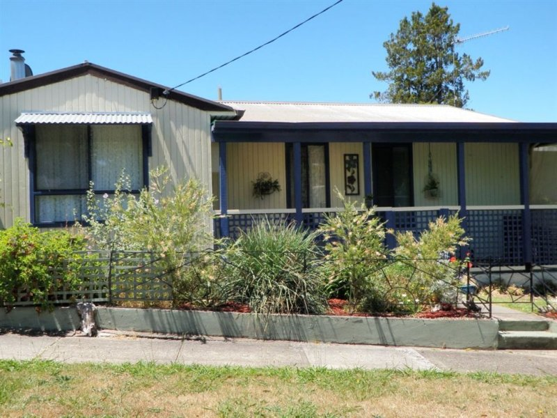 22 High Street, Eildon, Vic 3713