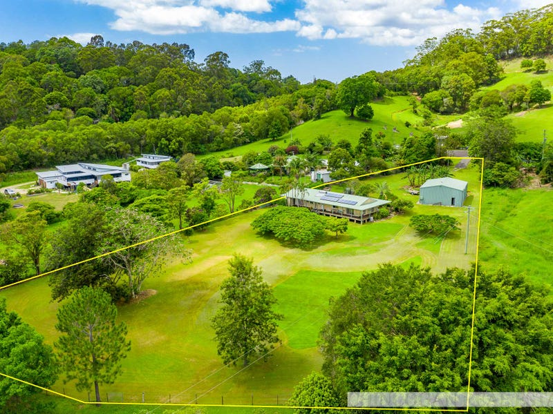17 Mountain View Road, Ocean Shores, NSW 2483