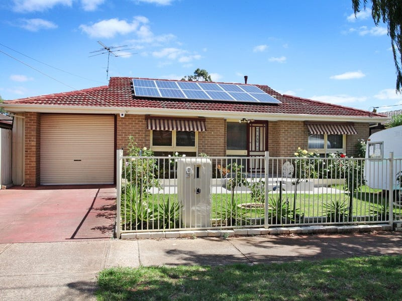9 Monash Street, Melton South, Vic 3338