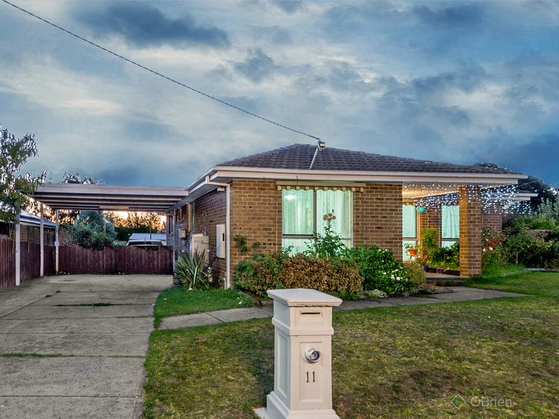 11 Briarley Court, Hampton Park, Vic 3976