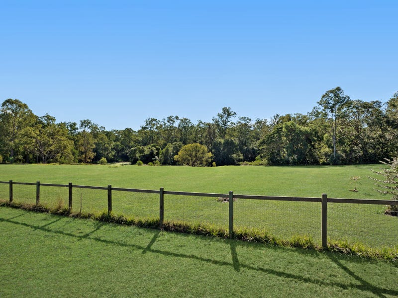 2 Madison Place, Camp Mountain, Qld 4520