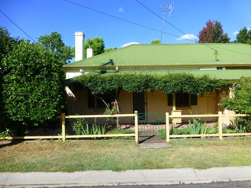 9 Lord Street, Bathurst, NSW 2795