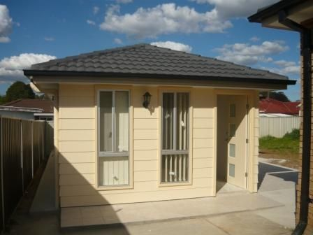 2A Hoyle Place, Greenfield Park, NSW 2176