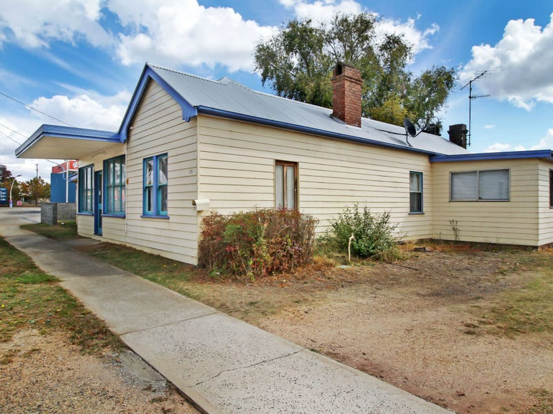 99-101 Bridge Street, Uralla