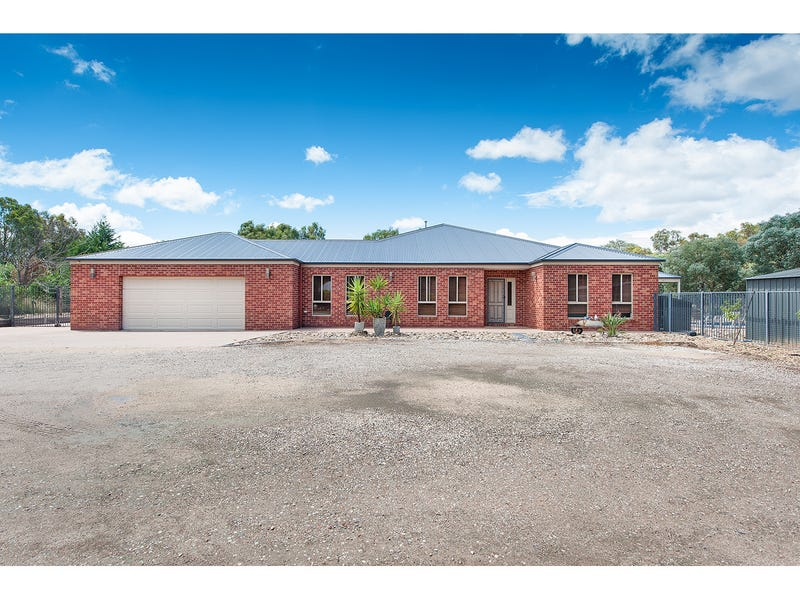 44 Bennett Road, Thurgoona, NSW 2640