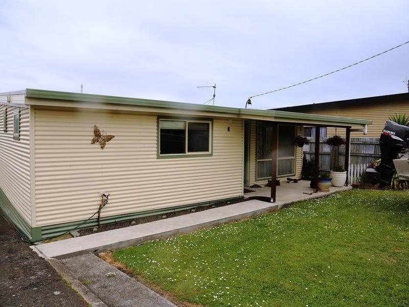 4 Dunn Street, Crayfish Creek, Tas 7321
