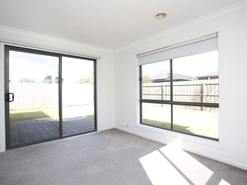 11 Danita Way, Cranbourne West, Vic 3977