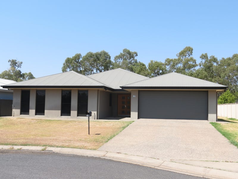 22 Cook Close, Emerald, Qld 4720