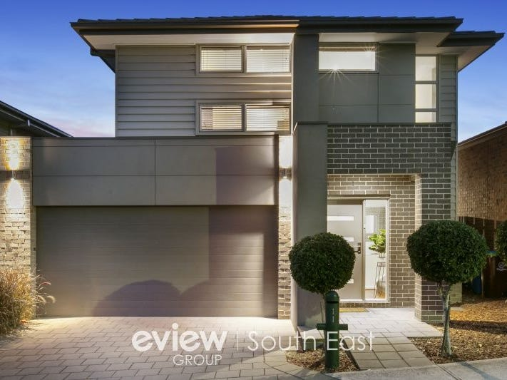 11 Barrier Reef Circuit, Endeavour Hills, Vic 3802