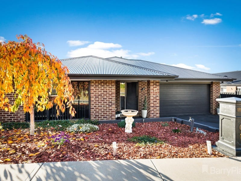 13 Chaucer Way, Drouin, Vic 3818