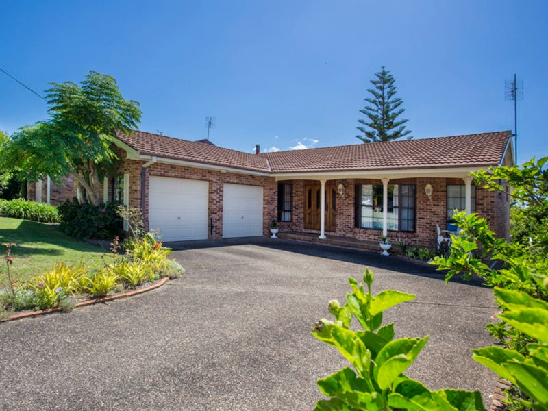 18 Hilltop Crescent, Mollymook Beach, NSW 2539