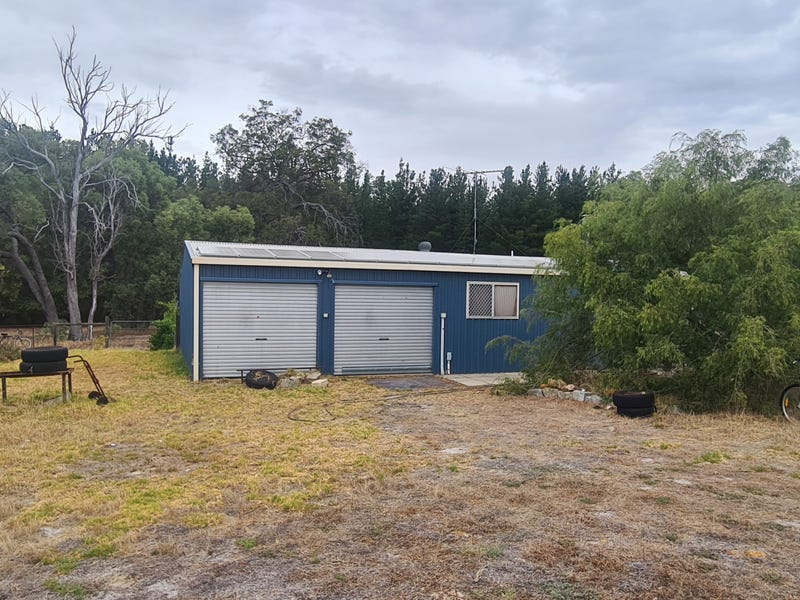 73 Redcourte Road, Bakers Hill, WA 6562