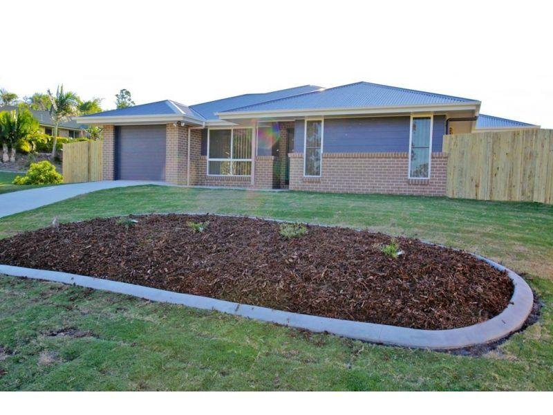4 Piccadilly Drive, Southside, Qld 4570