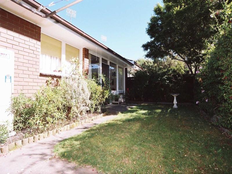 2/13 Dawson Street, Upper Ferntree Gully, Vic 3156