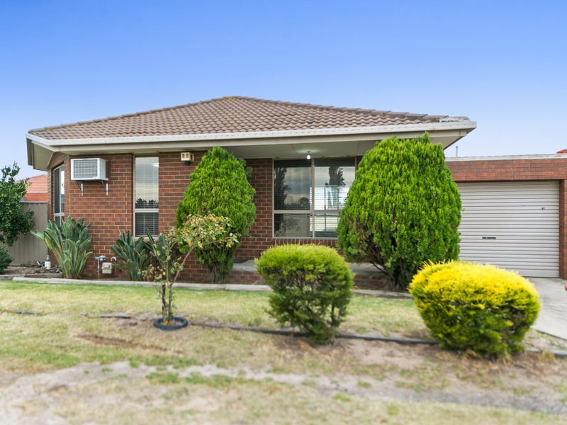 2/16 Goodenia Close, Meadow Heights, Vic 3048