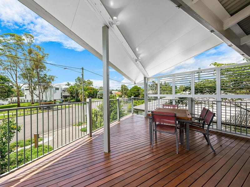 104 Brisbane Corso, Fairfield, Qld 4103