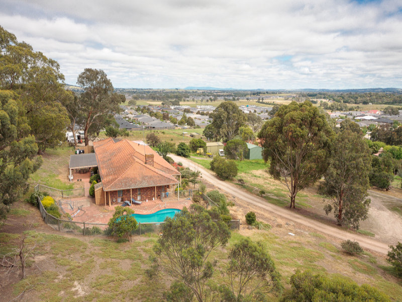 825 Yan Yean Road, Doreen, Vic 3754