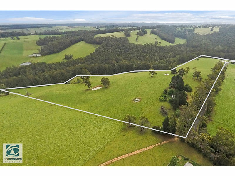 214 Russell Creek Road, Hill End, Vic 3825