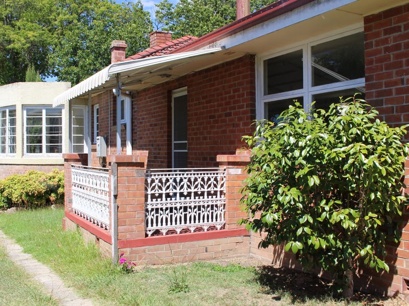144 Logan Street, Tenterfield, NSW 2372