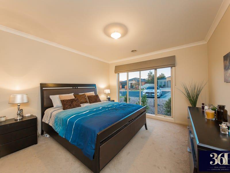 14 Nauru Court, Taylors Hill, Vic 3037