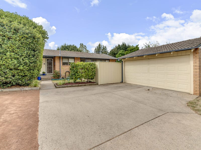 13 Macqueen Place, Charnwood, ACT 2615