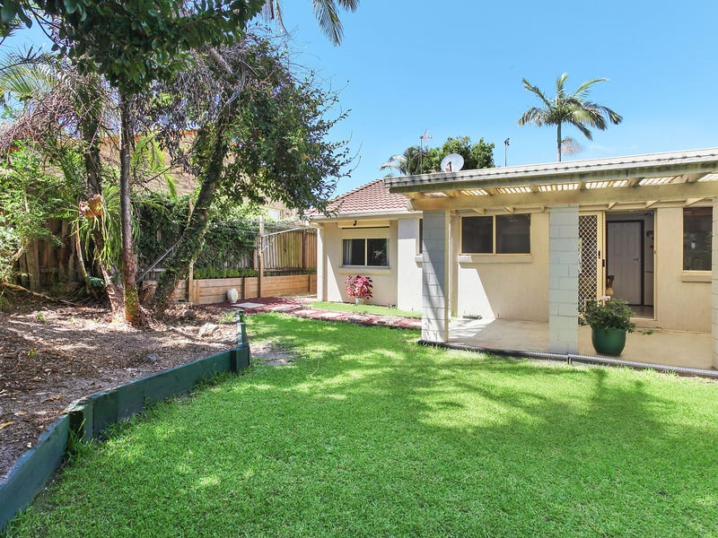 1/7 Orkney Place, Labrador, Qld 4215