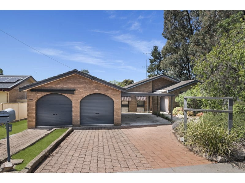 5 Maxwell Crescent, Strathdale, Vic 3550
