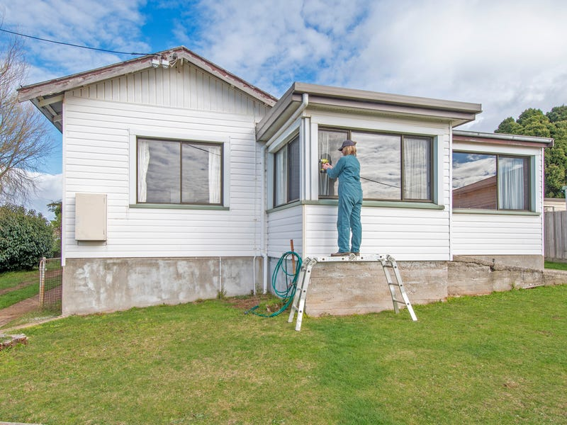 8 Scott Street, Upper Burnie, Tas 7320