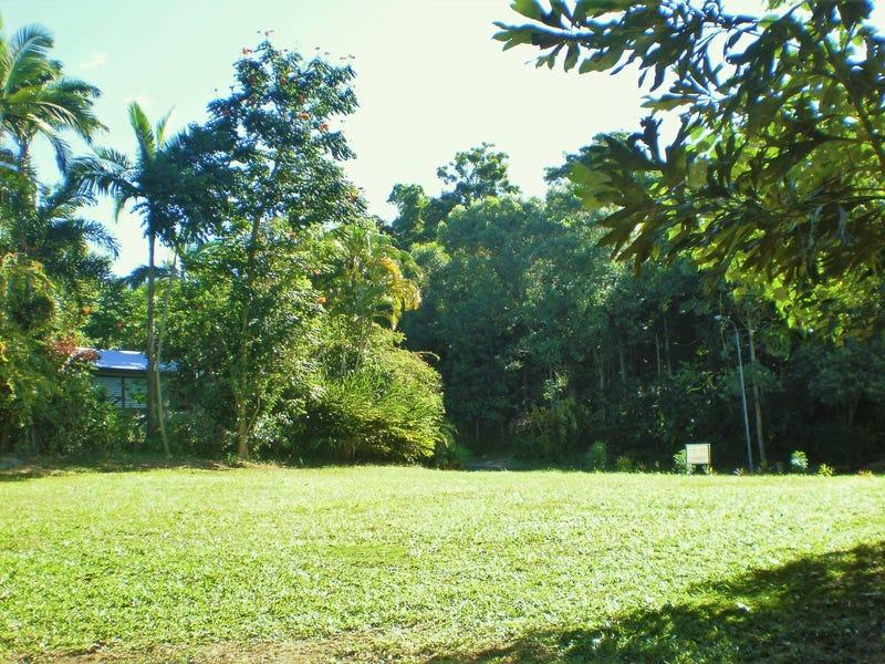 71 Cutten Street, Bingil Bay