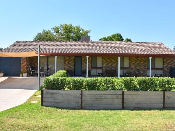 11 Logan Lane, Moree, NSW 2400