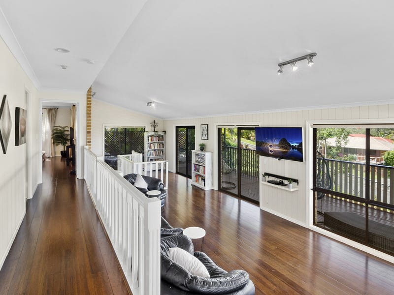 17   Mariners Crescent, Banora Point, NSW 2486
