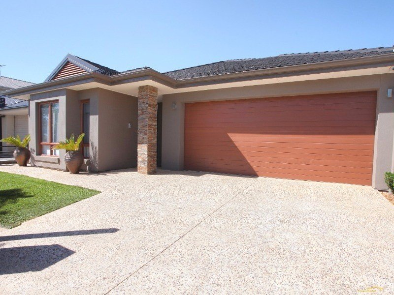 35 Charles Mathews Circle, St Clair, SA 5011