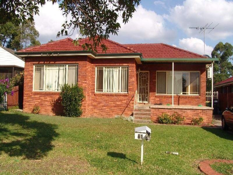 61 Elizabeth Crescent, Kingswood, NSW 2340