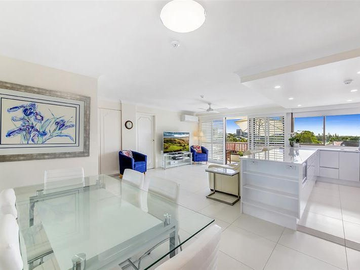 'KINGS ROW CTR' 20 Commodore Drive, Paradise Waters, Qld 4217