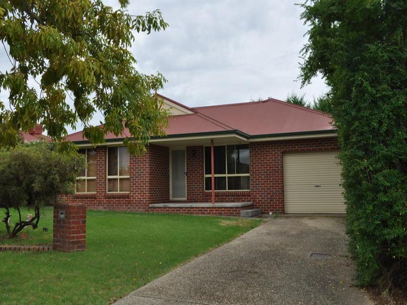 2/4 Briese Court, Thurgoona, NSW 2640