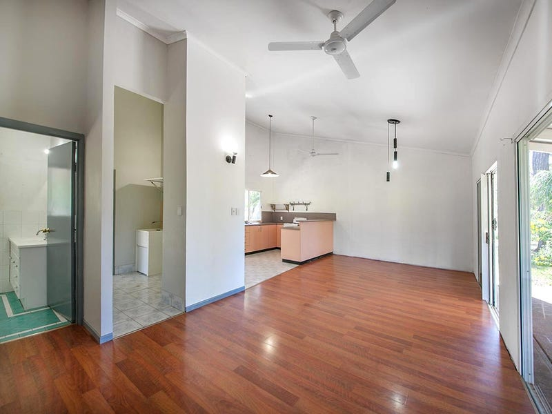 8-10 Chalmers Crt, Agnes Water, Qld 4677
