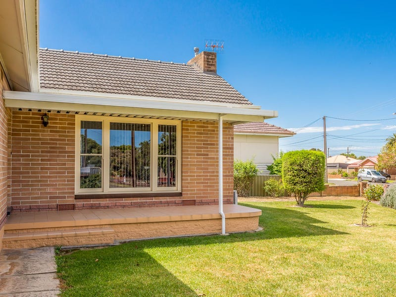 9 SWAIN ROAD, Victor Harbor, SA 5211